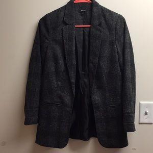 Women's woven blazer